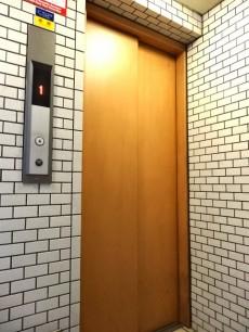 ヴェラハイツ浜町 エレベーター