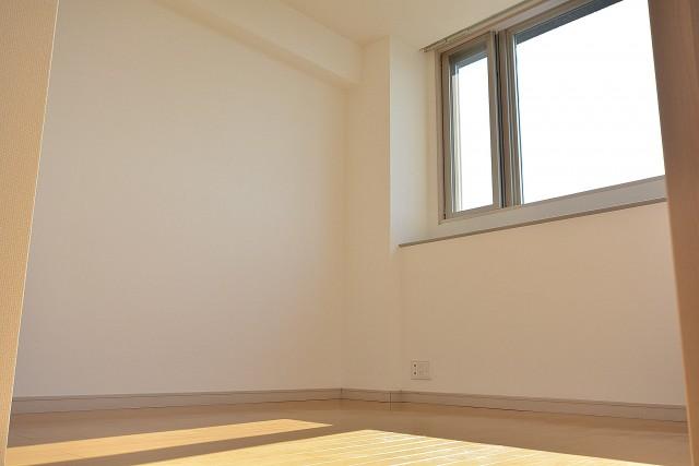 アールヴェール新宿弁天町 約6.3帖の洋室702