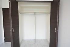 神宮前コーポラス 7.0帖ベッドルームのドア