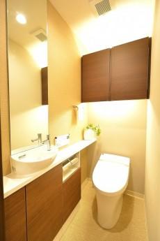 ファミール六本木 トイレ