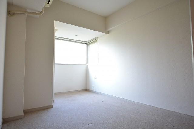 アールヴェール新宿弁天町 約7.2帖の洋室301