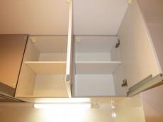 西新宿ハウス 機能的なシステムキッチン306