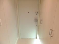 コンシェリア西新宿 玄関2209