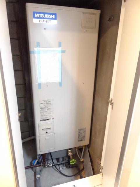 日本橋箱崎ハイツ 電気温水器