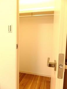 尾山台リバーサイドハイデンス 3.8帖ベッドルームのWIC