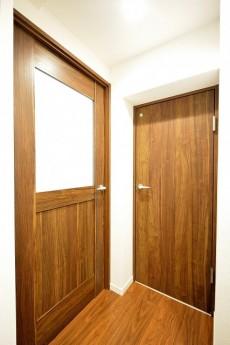 セイントマンション ドア