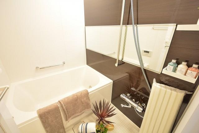 ハイツ赤坂 バスルーム 402