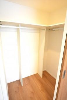フジホーマンション 洋室 5.5帖 収納