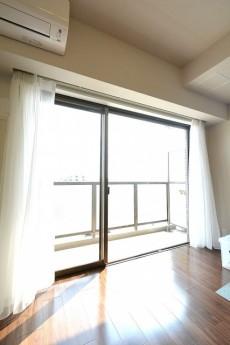 三軒茶屋シティハウス リビングダイニング窓