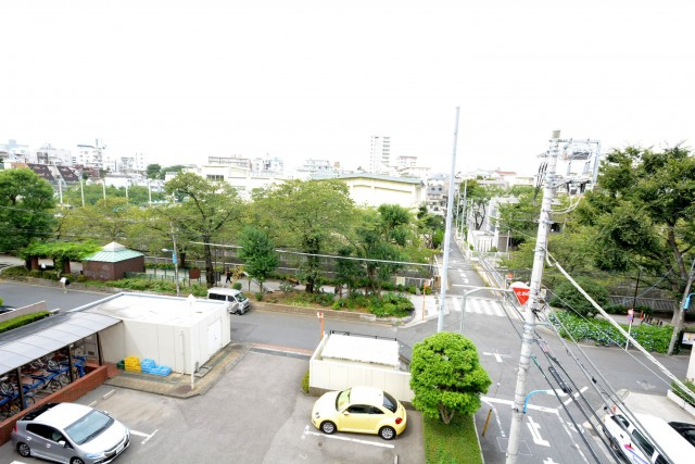 東中野パークマンション 洋室6帖眺望