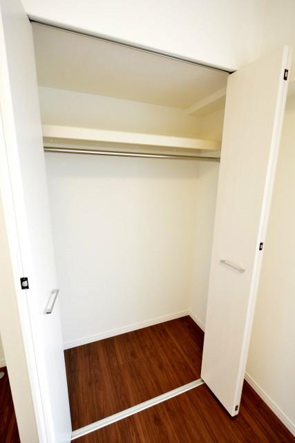 東中野パークマンション 洋室4.8帖収納