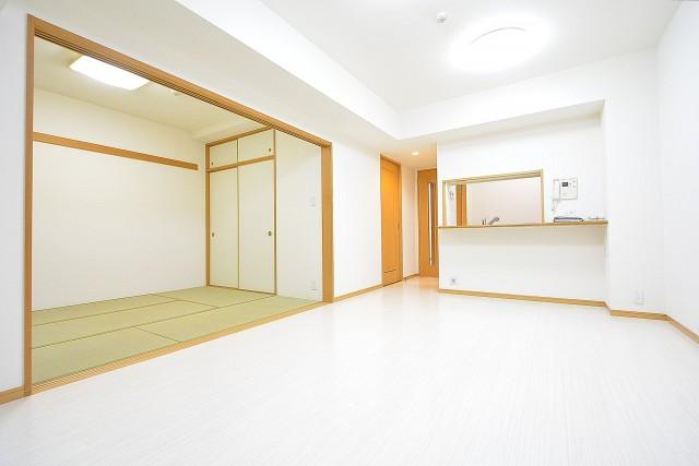 クリオ高田馬場壱番館 9.2帖のリビングダイニング