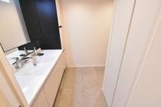 三軒茶屋シティハウス (70)洗面室