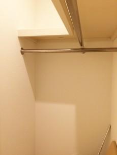グレース市ヶ谷 洋室約6.8帖収納