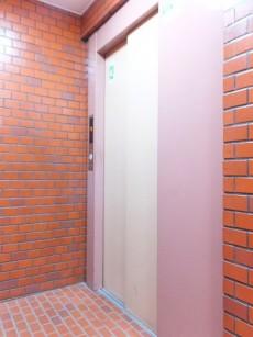 パールハイツ大塚 エレベーター