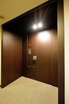 赤坂タワーレジデンス 玄関ドア