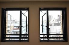 ダイアパレス麻布十番 5.0帖のベッドルームの窓