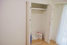協栄メゾン代々木 洋室約5.5帖収納