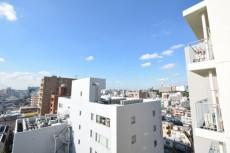 サンパークマンション高田馬場 5.7帖のベッドルームバルコニー眺望