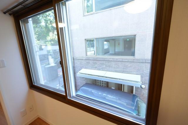 カーサ一番町 リビングダイニング窓