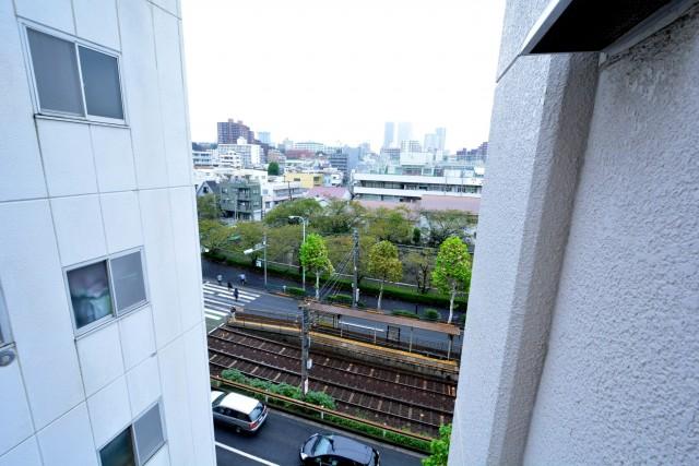 ハラダ面影橋マンション リビングダイニングキッチン横バルコニーからの眺望