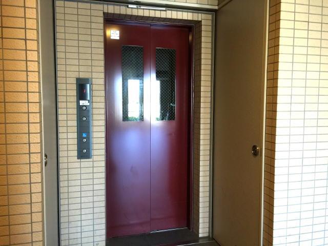 ゼファー明大前クローチェ エレベーター