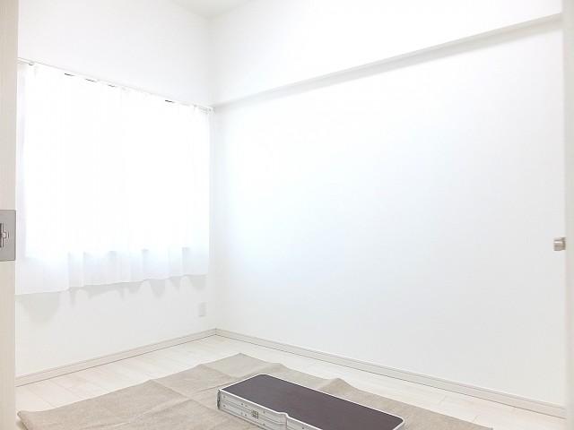 藤和ハイタウン上野 洋室約4.5帖