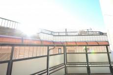 ニューハイム早稲田 4.5帖のベッドルーム サンルーム眺望
