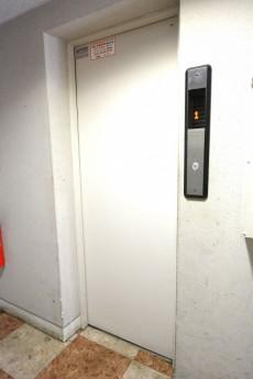 ハイネス大久保 エレベーター