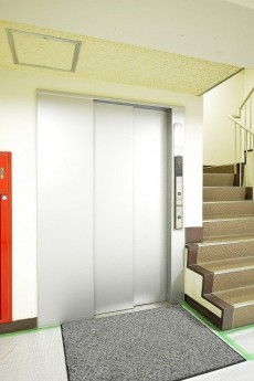 目白ハイツ エレベーターホール