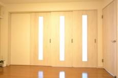 大森山王リハイム 洋室間の扉