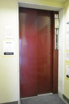 サンローゼ新宿 エレベーター