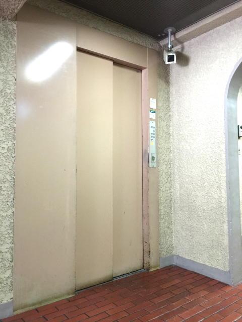 ロイヤルハイツ三田 エレベーター