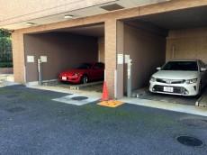 ライオンズガーデン荻窪大田 駐車場