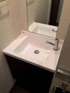 パレ駒場 トイレ手洗いキャビネット
