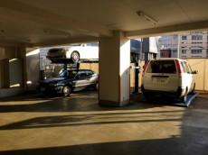 プリミエール下落合2号館 駐車場