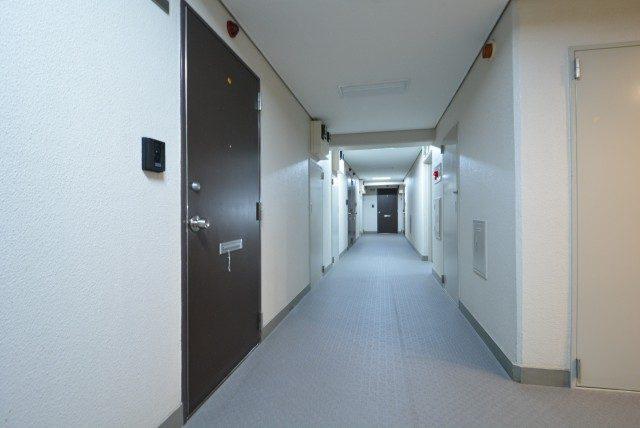 松濤ハウス 内廊下