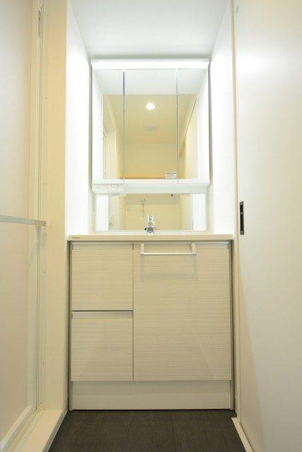 クレール三田 洗面室