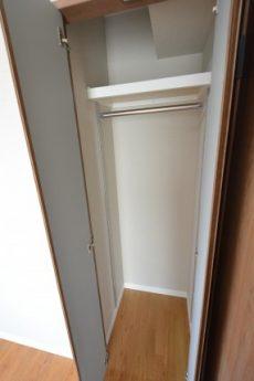 クレール三田 洋室2