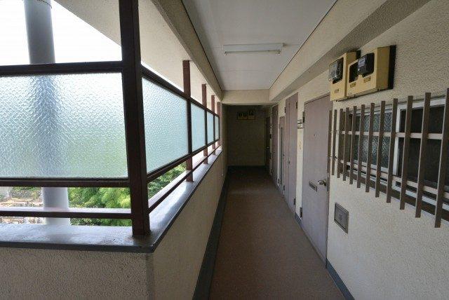 クレール三田 外廊下