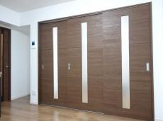 グランドメゾン碑文谷 洋室の扉