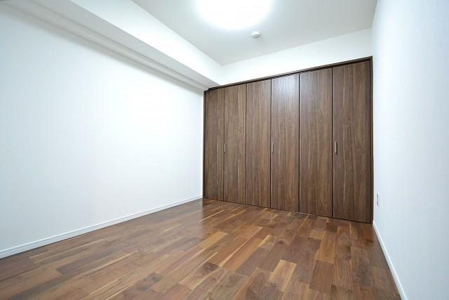 ライオンズマンション乃木坂 6.0帖のベッドルーム