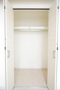ハイツサト赤坂 ベッドルームのクローゼット