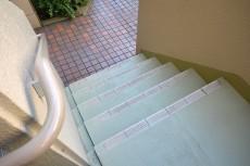 サンハイツ北新宿 階段