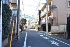 ルーブル駒沢大学Ⅱ 前面道路