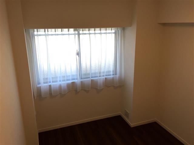サンマンションアトレ新宿戸山 洋室約6帖東側