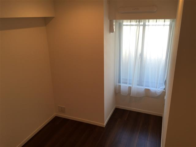 サンマンションアトレ新宿戸山 洋室約6帖西側