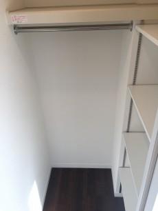 ハイネス小石川 洋室約6.3帖収納