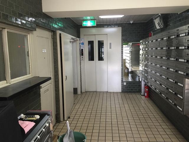 桜上水山森マンション エントランスホール