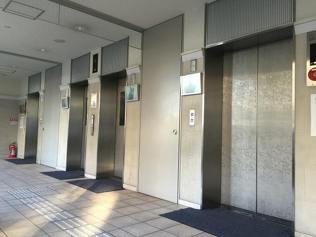 東京マスタープレイス エレベーター